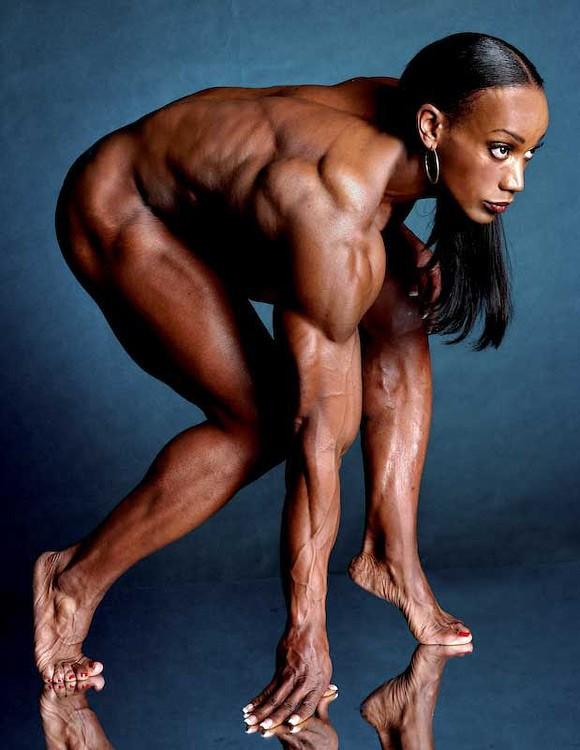 """Ленда Мюррей восьмикратная победительница соревнований """"Мисс Олимпия"""", родилась в 1962г. в Детройте"""