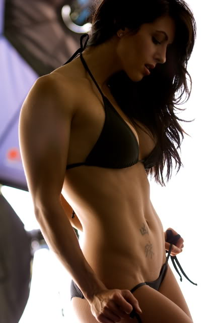 Amanda-Latona4