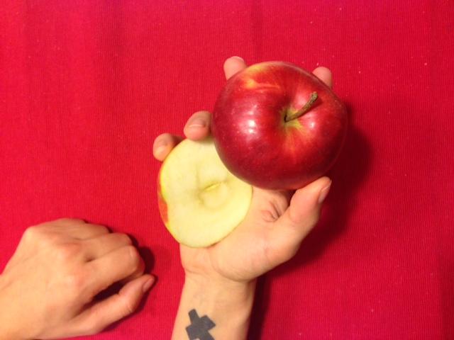 Как выглядит 100 ккал в яблоках