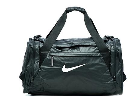 e7215cd510cd Nike Ultimatum Max Air – одна из самых популярных сумок в нашей стране. На  то есть причины: она лёгкая, практичная, в ней множество удобных отделений  и даже ...