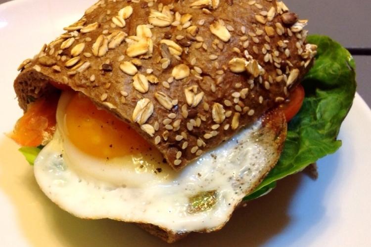 сэндвич с яйцом fitfrau
