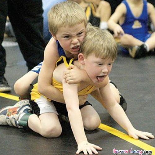 500x1000px-LL-2cf0fd9c_funny-wrestling-01