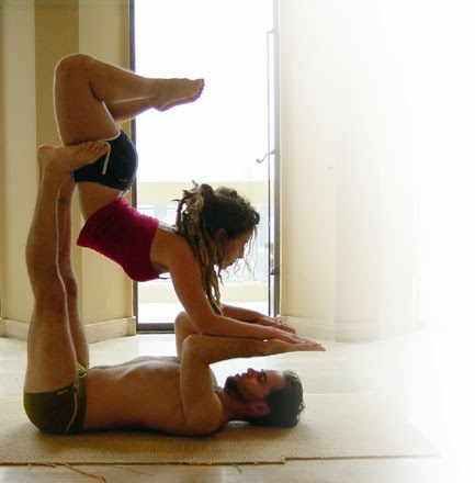 couples-workout-yoga-acroyoga-sebastopol