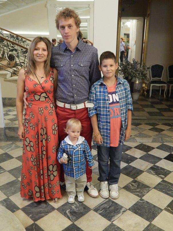 Муза Самойлова с семьей
