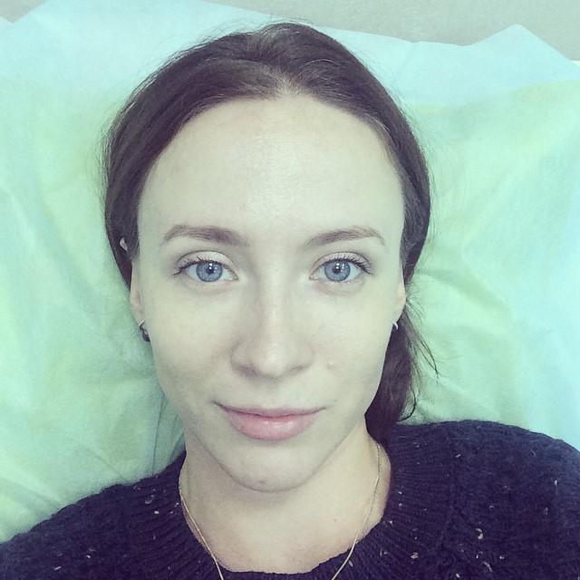 Это я так на процедуре лежу с ногой, обмотанной приборами