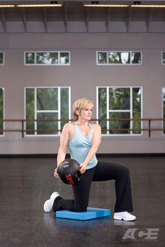 Медбол. Упражнение 24