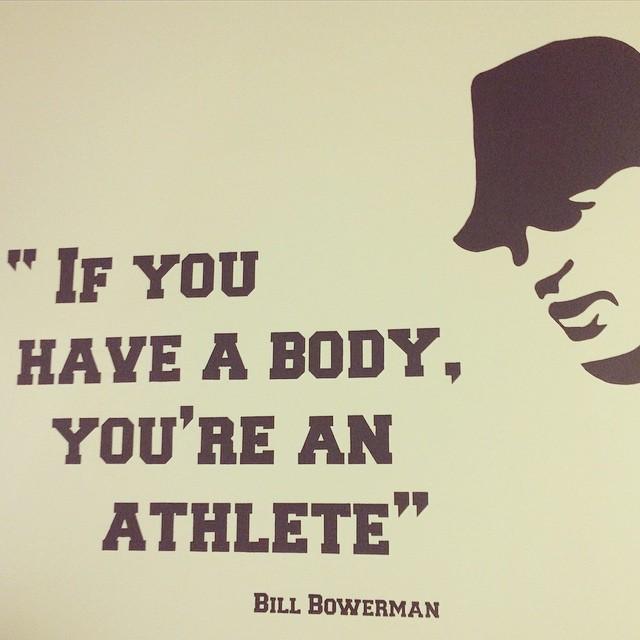Слоган в офисе Nike