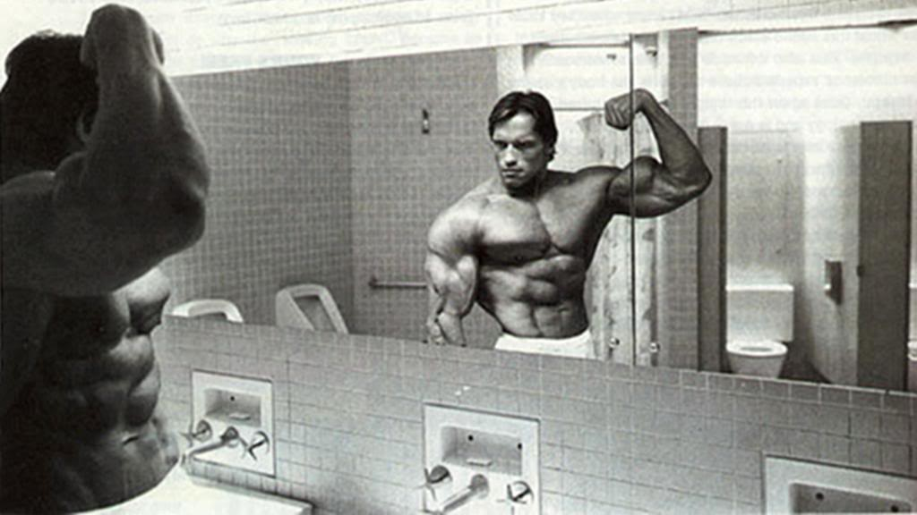 Arnold-Flexing-Mirror