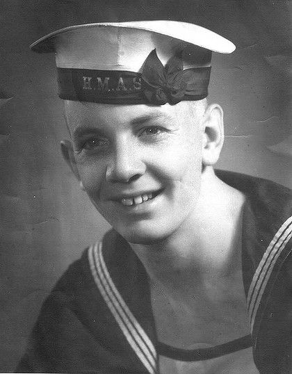 Don Ritchie in navy uniform A smile that could light up the room_SMH_15May2012