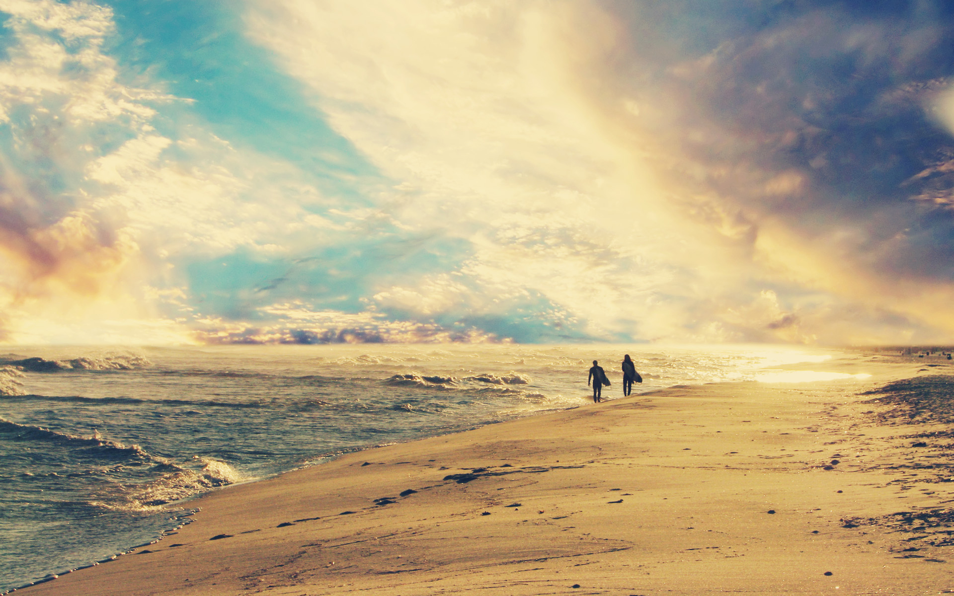 beach-surfers_00428699