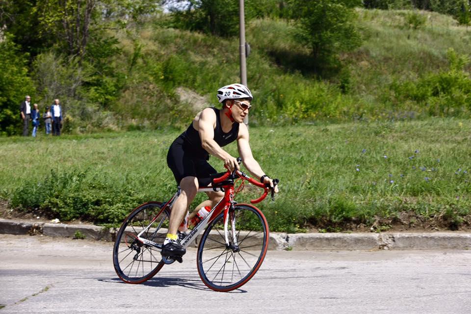 Из-за стрессового плавания на велоэтапе в результате проехал медленнее , чем на любой велотренировке за последние пару месяцев.