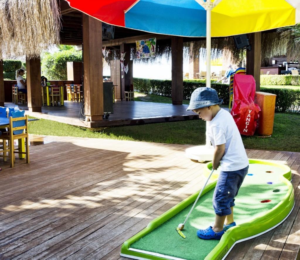-i-content-1892_3_Gloria_Verde Resort_Gogi_Kids_Club2