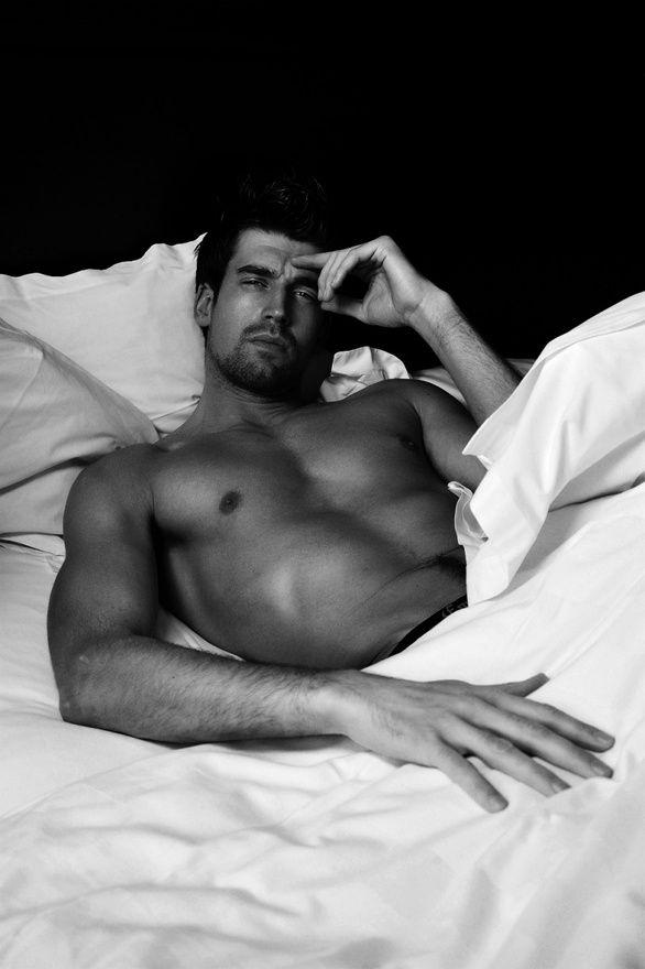 уже вить парня в постели сам хочу