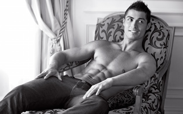 Sexy-man-football-player-cristiano-ronaldo-wallpapers-cristiano-ronaldo-wallpaper-hd-31