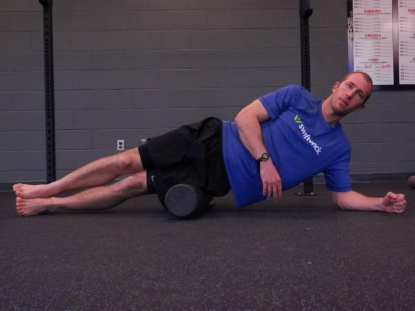 """""""Покатать"""" через роллер все нагруженные мышцы позволит лучше восстановиться и избежать в дальнейшем травм."""
