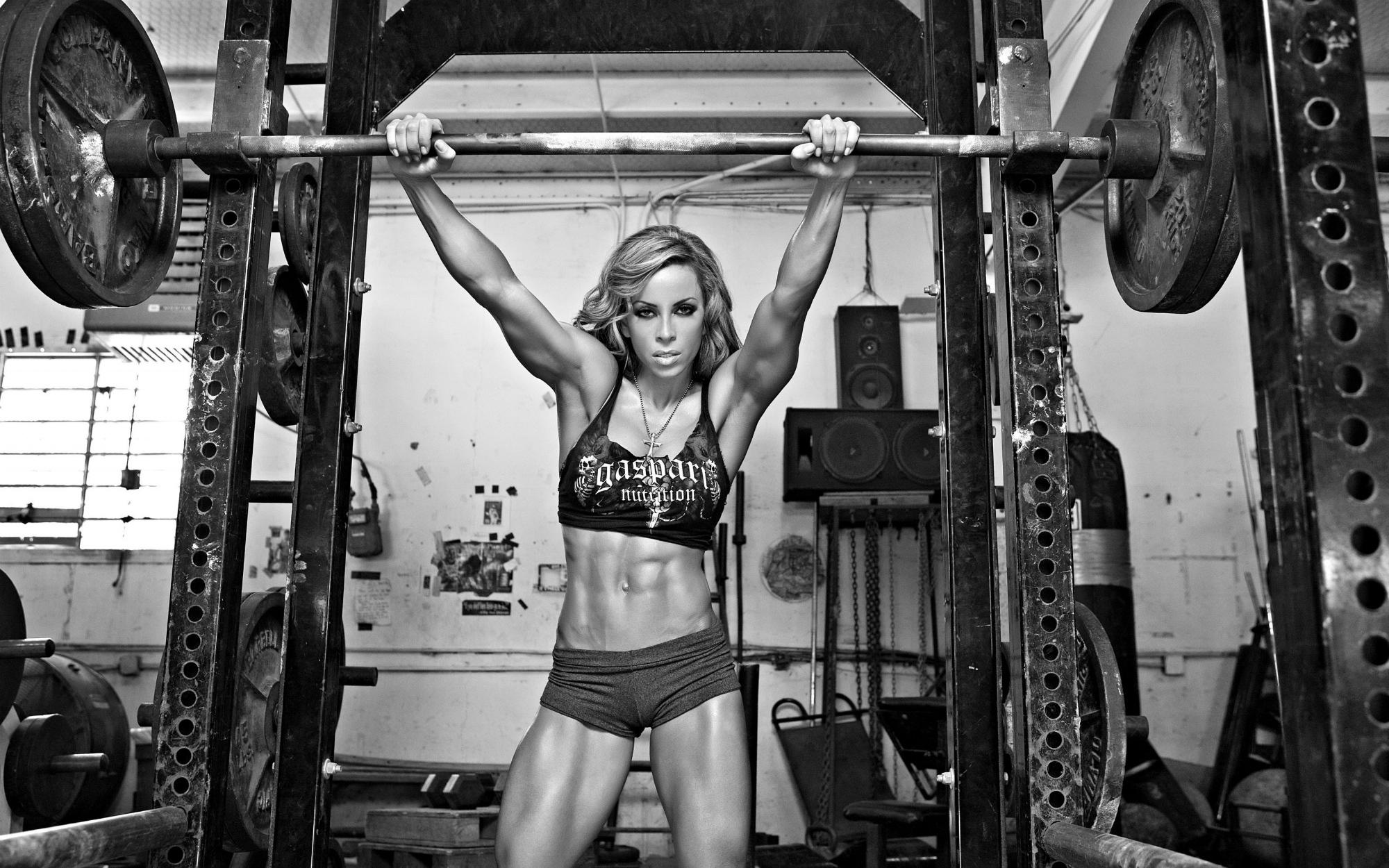 _Women_s_fitness_055598_