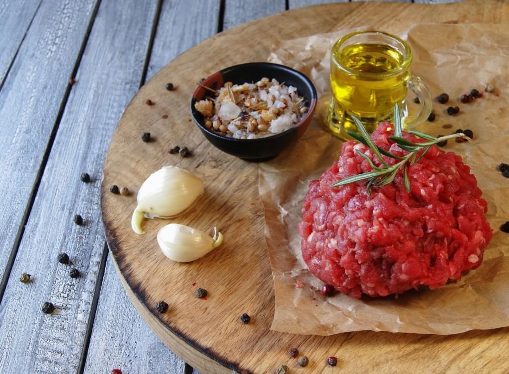 Raw-Chop-Meat-with-Garlic