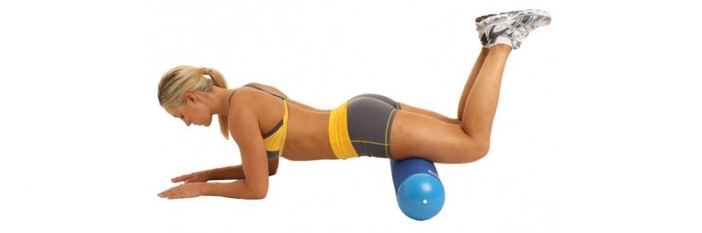 Автор все же рекомендует использование фоам-роллера для самомассажа крупных мышц после тренировки.