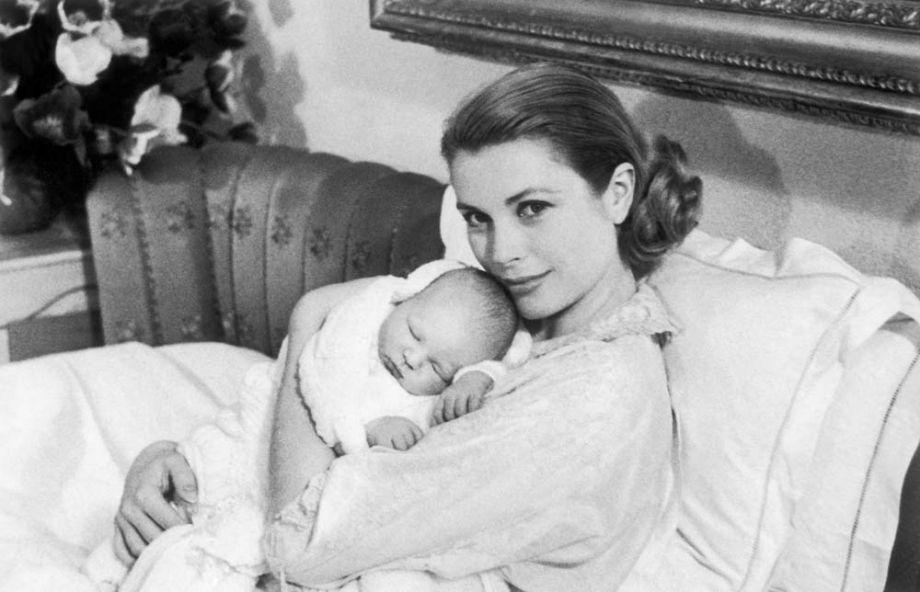 Грейс Келли и новорожденный принц Альбер, 1958 год, Монако