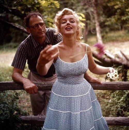 Мэрилин Монро и ее муж драматург Артур Миллер, сентябрь 1957 года
