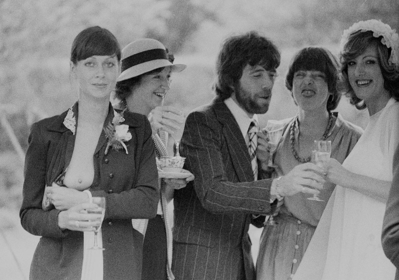 Теплая свадьба, Суррей, Англия, 1971 год