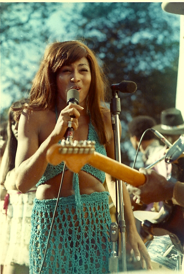 Тина Тернер на фестивале Gold Rush, 4 октября 1969 года, озеро Амадор, Калифорния