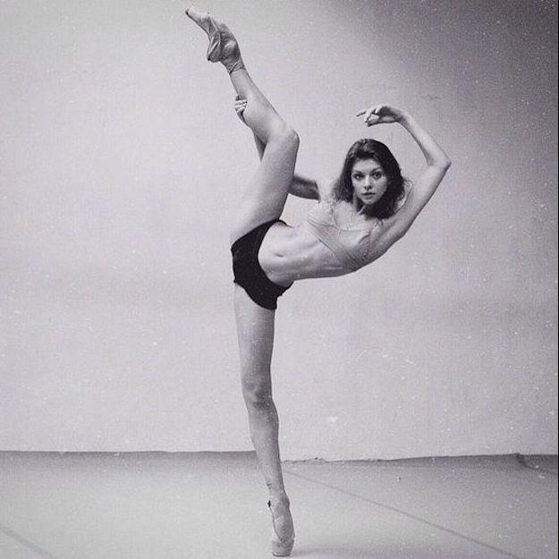 golie-rossiyskie-balerini