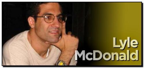 Lyle McDonald - спортивный физиолог, диетолог и автор многих книг, посвященных рекомпозиции, сжиганию жира и росту мышечной массы.