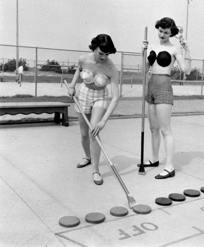 Игра в шаффлборд, 1949 год, США