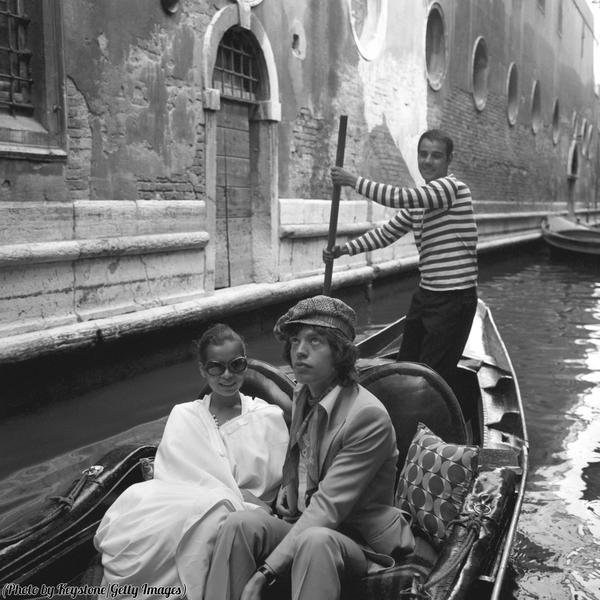 Мик Джаггер с женой Бьянкой, 1971 год, Венеция