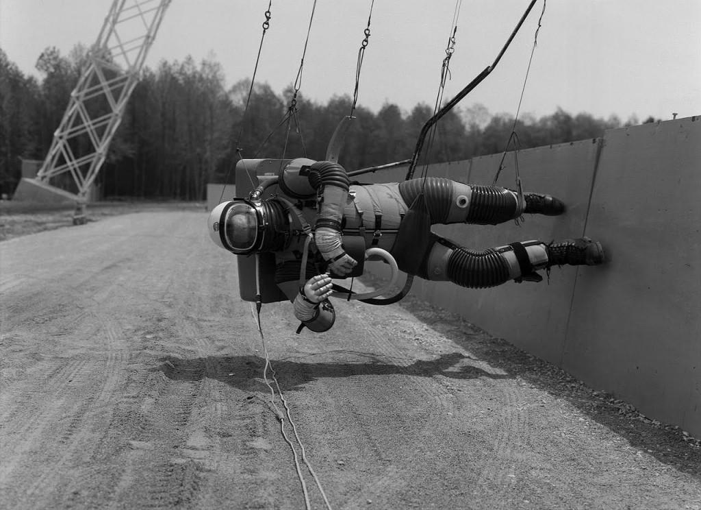 Симулятор ходьбы по лунной поверхности. США, 1965 г.