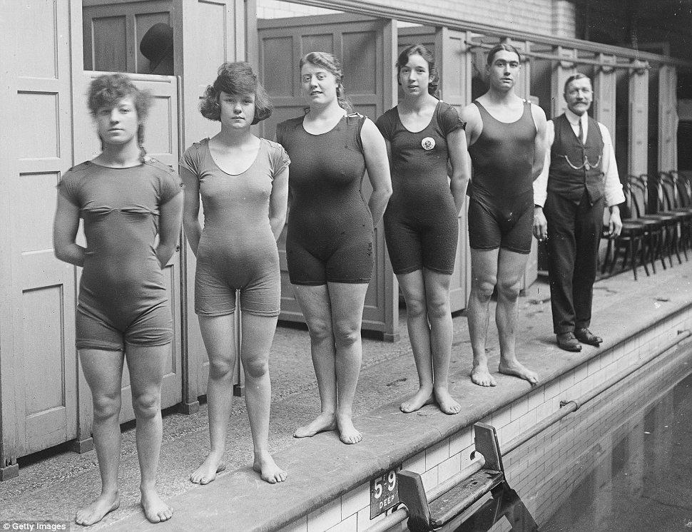 Чемпионки (и один чемпион) по плаванию, 1919 год, Англия