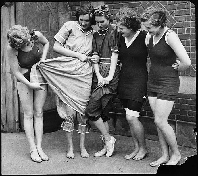 Эволюция женского купальника, 1932