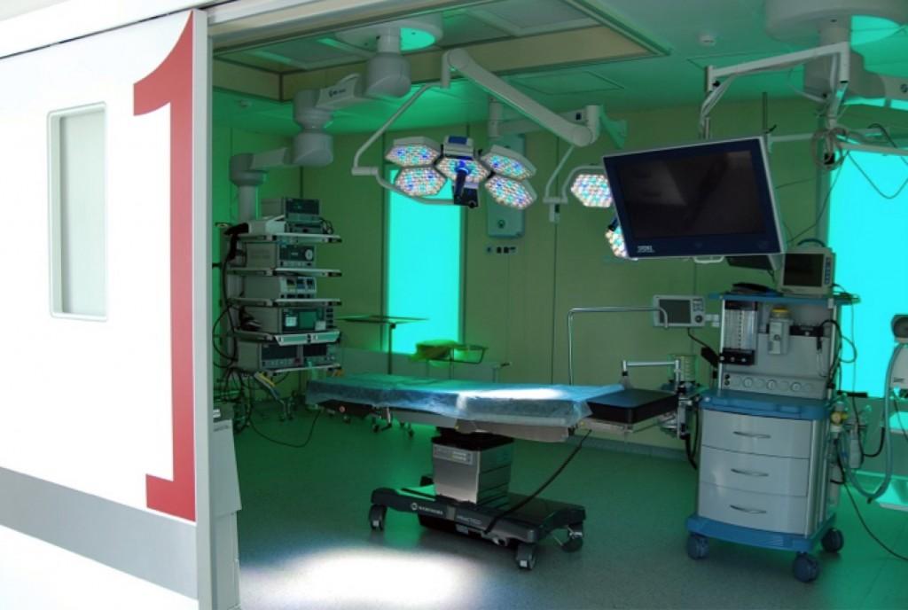 Для операции выбирайте опытного врача и клинику с современным оборудованием.