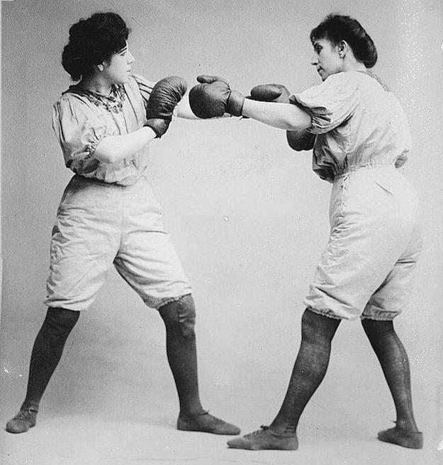 Bennett_sisters_boxing
