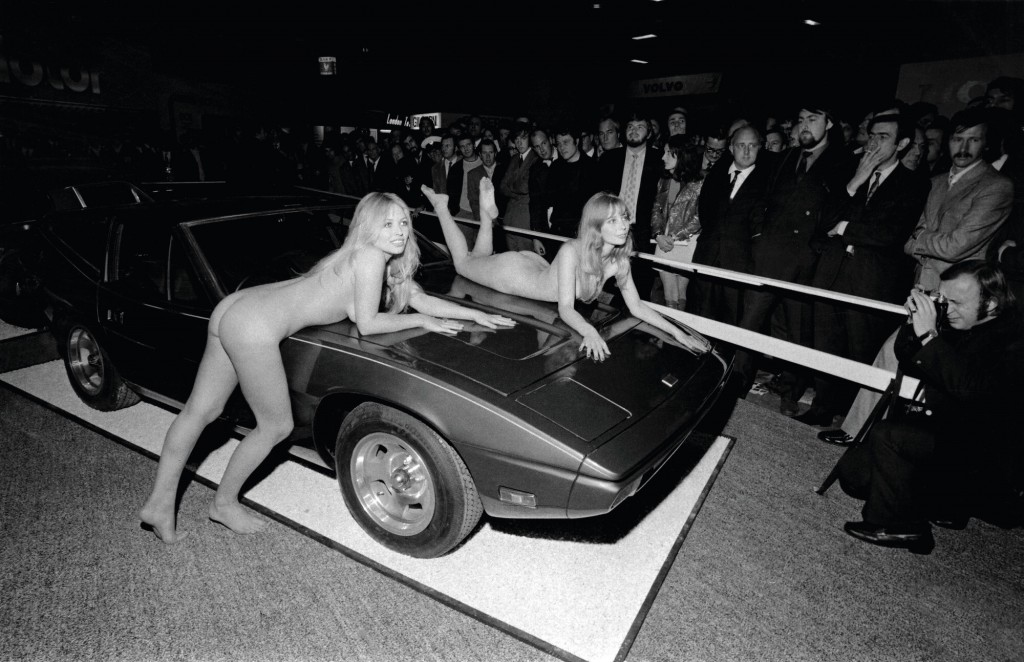 London Motor Show, models Susan Shaw and Helen Jones, 1971