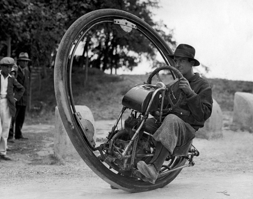 M. Goventosa на моноцикле, Италия, 1931