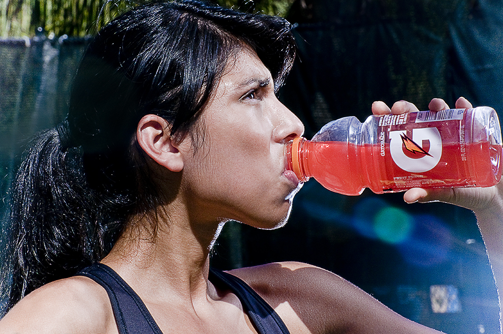 woman-drinking-gatorade