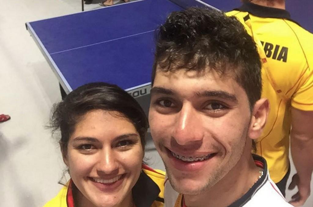 Колумбийские велосипедисты Джулиана Гавирия и ее младший брат Фернандо.