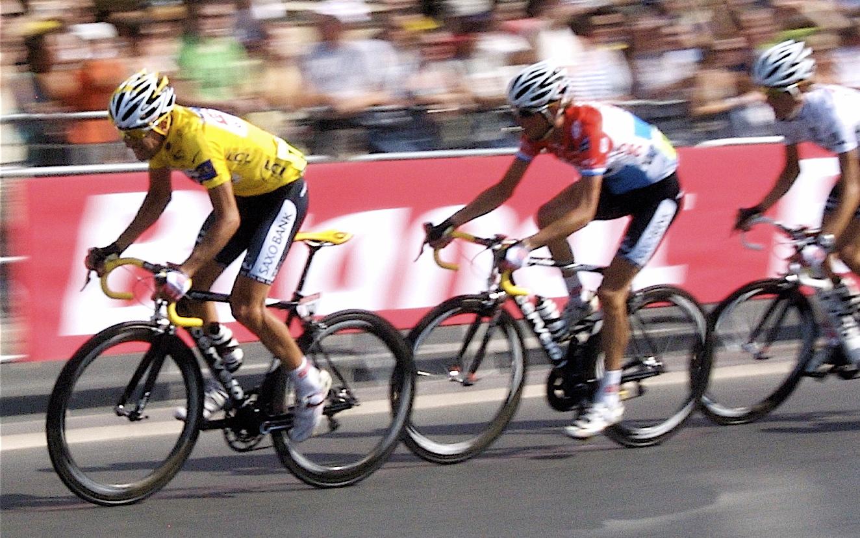 19_doping_Paris_-_Tour_de_France_2008_Winner_-_Carlos_Sastre_-_Maillot_Jaune