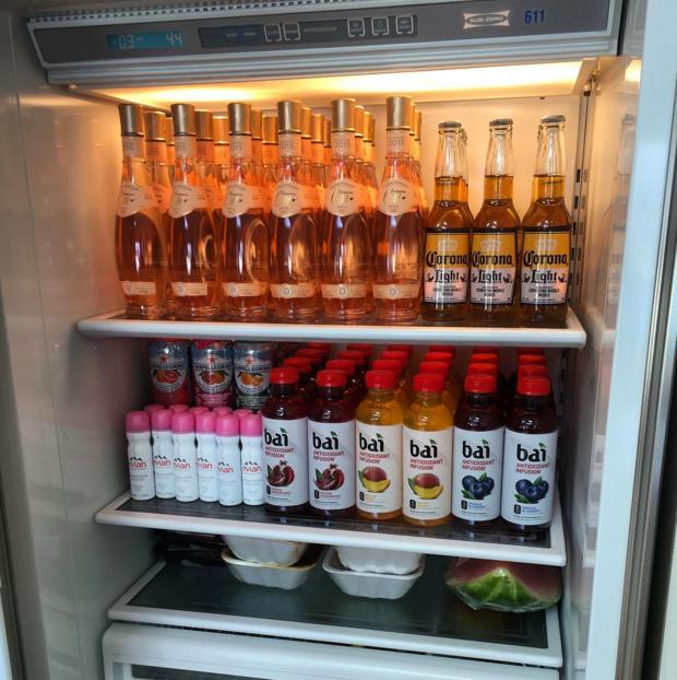 Фото: содержимое холодильника