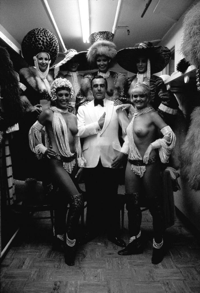 Джеймс Бонд и алмазы De Beers. Шон Коннери, showgirls, 1971 год, Лас–Вегас