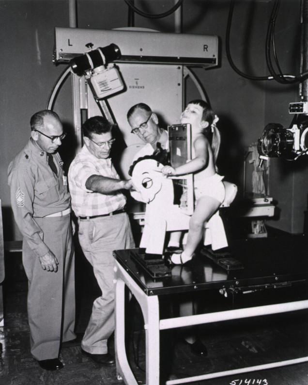Игрушечная лошадка для рентген–снимков детей. 1957. США.
