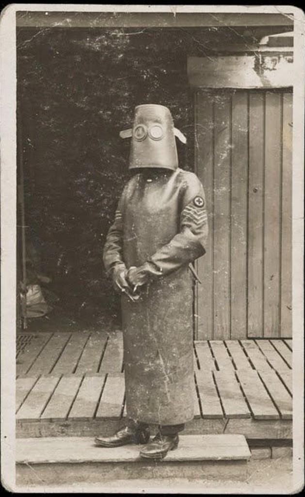 Костюм для защиты от рентгеновского излучения, 1918