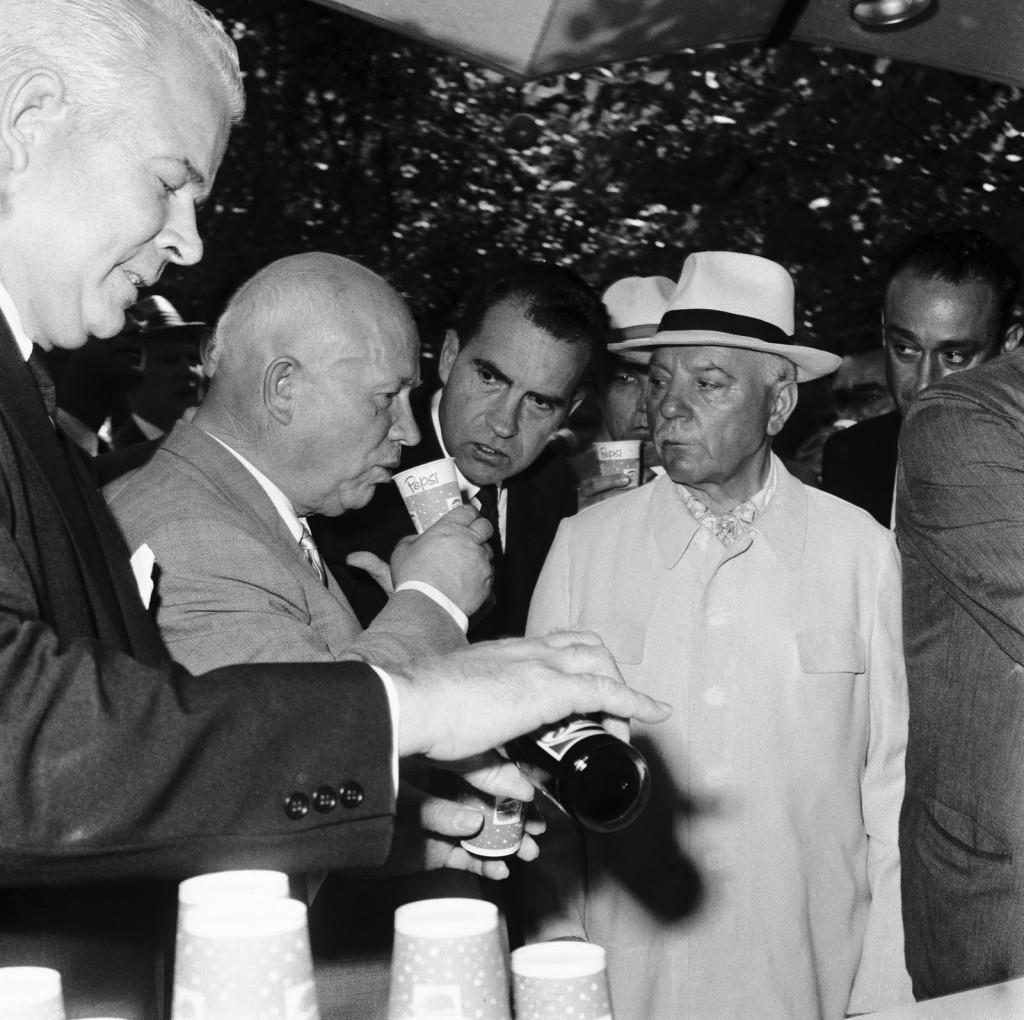 Хрущёв пробует Пепси–Колу, 1959 год