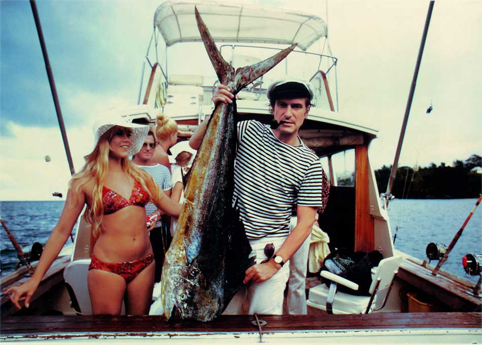 Хью Хефнер и Барби Бентон на рыбалке, Майами, 1970