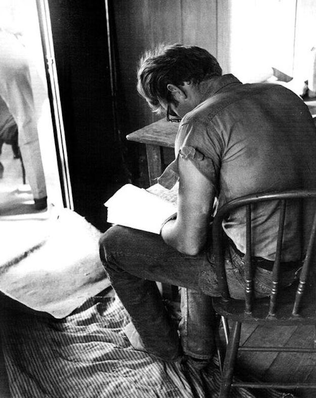 men reading zozhnik