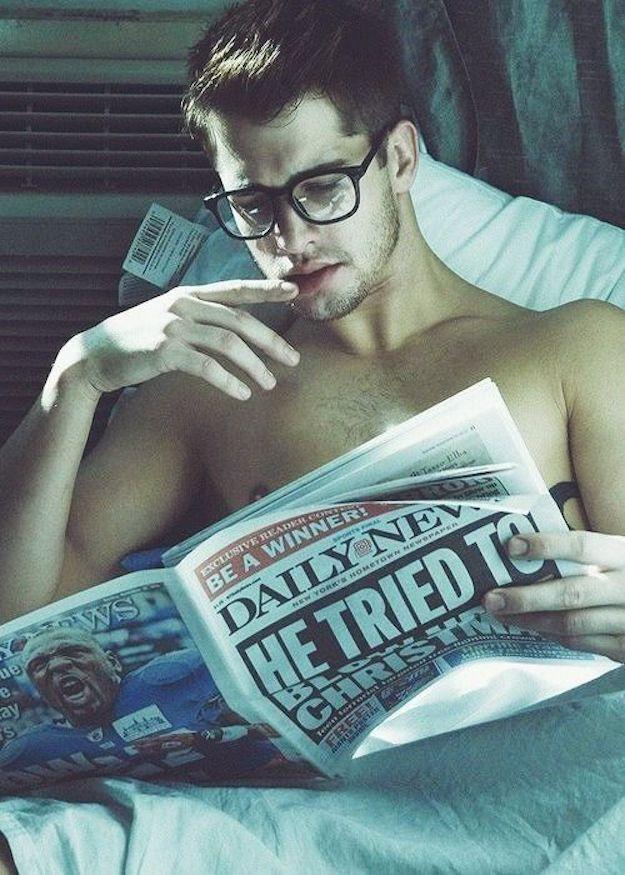 men reading zozhnik 1