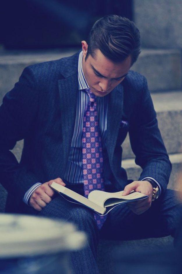 men reading zozhnik 18