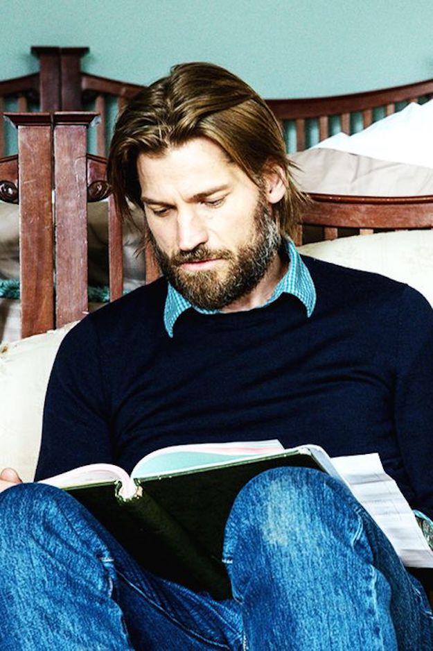 men reading zozhnik 19